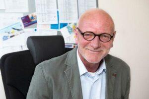 Carsten Mai findet Glaubens- und Kultursensibilität sehr wichtig in der Ausbildung von Pflegekräften und in ihrer Praxis.